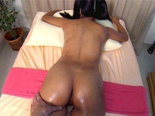 Sweet Raya gets fun in massage salon